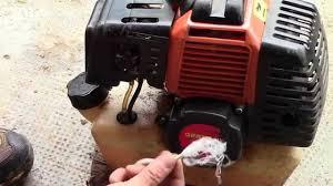 cuerda de arranque rota en la desbrozadóra cortadora de pasto