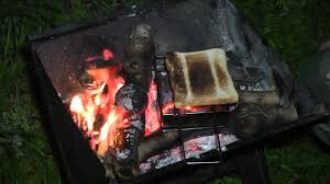 Campfire Toaster Highlander Folding Toaster On Open Fire Youtube
