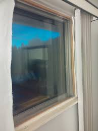 insulating curtains that cut heat losses through windows by 50