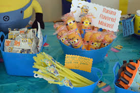 minion party favors despicable me minion birthday party ideas banana flavored twinkie