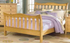 wood finish casual 5pc bedroom set w sleigh bed natural wood finish casual 5pc bedroom set w sleigh bed