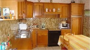peindre cuisine rustique peindre cuisine rustique repeindre des meubles vernis on decoration