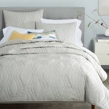 Duvet With Quilt 9 Best Quilts For Fall 2017 Quilts Shams And Coverlets