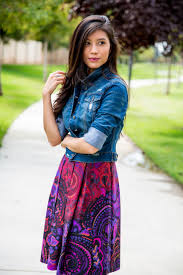 a casual way to wear a paisley print dress
