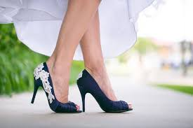 wedding shoes navy blue 4 stunning navy blue wedding shoes for your big day