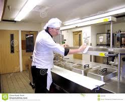 nettoyage cuisine nettoyage de cuisine photo stock image du intéresser beau 524220