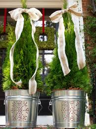 Outdoor Holiday Decorations by 15 Diy Outdoor Holiday Decorating Ideas Hgtv U0027s Decorating