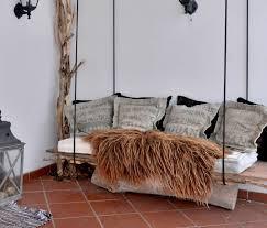 canapé suspendu decoration décoration en bois canapé suspendu lattes tronc bois