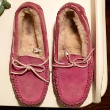 ugg slipper sale dakota 75 ugg shoes pink breast cancer ugg dakota slipper from