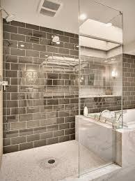 moderne badezimmer mit dusche und badewanne geflieste dusche 25 wunderschöne bilder archzine net