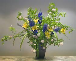 white and blue floral arrangements fresh ideas for flower arrangements homesfeed
