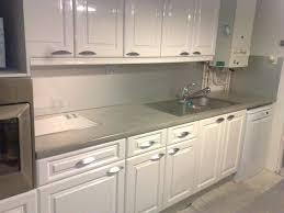 recouvrir plan de travail cuisine plan de travail cuisine en beton cire plan de travail beton ductal