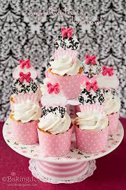 homemade twinkie cupcakes