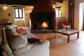 location chambre avec location gîtes et chambres d hôtes avec cheminée dans le gard