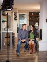 Joanna Gaines Parents A Chip And Joanna Holiday Photo Album Magnolia House House Beds