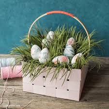 easter basket grass make a diy woven paper basket with easter grass