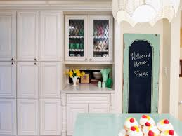 Knob Placement On Kitchen Cabinets by 25 Small Kitchen Design Ideas Storage And Organization Hacks 17