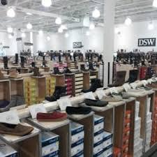 designer shoe outlet dsw designer shoe warehouse 15 photos shoe stores 1160
