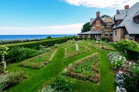Queen Anne Style Home by Newport U0027s Ocean Lawn Sited On Cliff Walk Sells For 11 65m