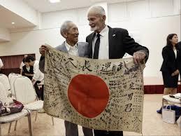 Japan War Flag I U0027m Sorry It Took So Long U0027 U S Marine Returns Flag From Dead
