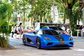 koenigsegg night photo of the day the 5 3 million koenigsegg agera s in singapore