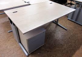 Schreibtisch Gebraucht Werndl Schreibtisch 160 Cm Tiefe 100 Cm Ahorn Gwv Büromöbel