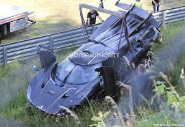 crashed lamborghini huracan supercar crashes on flipboard