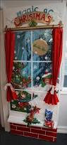 Christmas Table Decoration Contest by Best 25 Christmas Cubicle Decorations Ideas On Pinterest Office