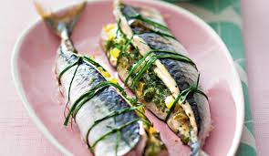 cuisiner des maquereaux recette maquereau farci aux herbes luximer le de la mer