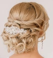 comment cuisiner les chignons coiffure mariage cheveux longs et mi longs en 62 idées