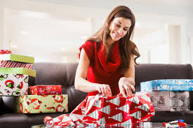 this incredible gift wrapping tip shows you how to wrap your