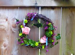 39 diy spring wreaths for the front door that you can make