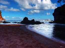 Black Sand Beaches Maui by Colorful Sand Beaches Around The World Business Insider