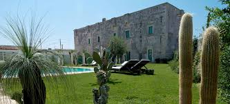 luxury small hotels and charming bed and breakfasts in italy