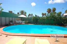 034 323 massive bungalow with private entrance for sale in playa