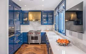 white kitchen cabinets with blue tiles 33 blue and white kitchens design ideas designing idea