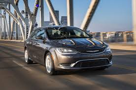 2016 chrysler 200 reviews and rating motor trend