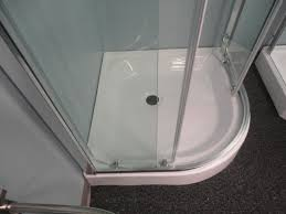 prosto 32 x 32 round shower enclosure with sliding doors and tray