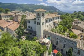 villas with no car needed in italy tuscany now u0026 more
