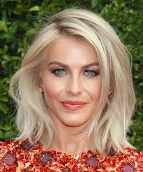 what kind of hairstyle does julienne huff have in safe haven julianne hough medium straight casual hairstyle light blonde