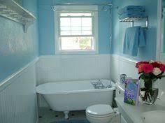 Clawfoot Tub In A Small Bathroom Bathroom Pinterest Small - Clawfoot tub bathroom designs