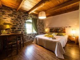 chambre à la ferme chambre d hôtes ferme de suchasson à sagnes et goudoulet location