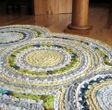 Crochet Rugs With Fabric Strips How To Crochet With Fabric Strips Fabric Strips Tutorials And