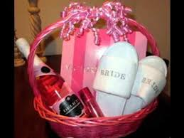 bridal shower gift basket ideas best bridal shower gift ideas