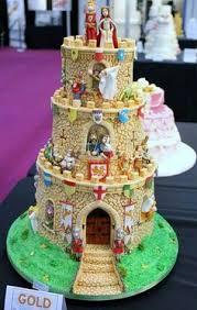 12 stunningly beautiful disney cakes disney castle cake castles