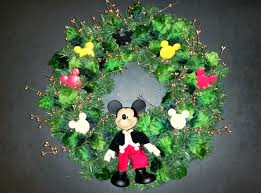 craft u2013 mickey mouse wreath the enchanted manor