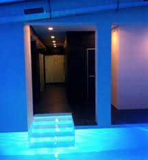 le led piscine escalier piscine ambiance led picture of piscine le tetard la