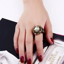 unique fashion rings images With gold color shine unique fashion rings high quality stunning jpg