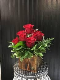 one dozen roses one dozen roses in signature flowers container in princeton tx