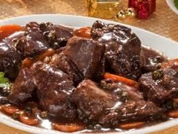 comment cuisiner le plat de cote boeuf bourguignon recette de boeuf bourguignon marmiton